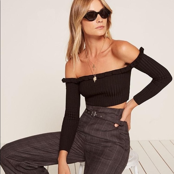 Reformation Tops - Reformation Black Knit Long Sleeve Anna Crop Top